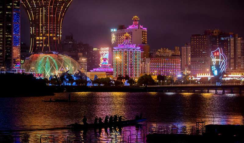 Macau Gambling Revenues Drop for First Time since July 2016